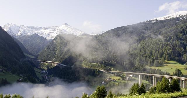 Autobaan in Tirol